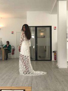 Essai de dos de la robe de mariée