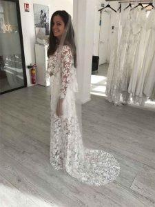 Essai de la robe de mariée de profil